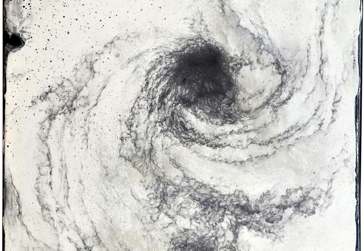 現代美術アーティスト・山本基が細密に描いた鉛筆ドローイング。